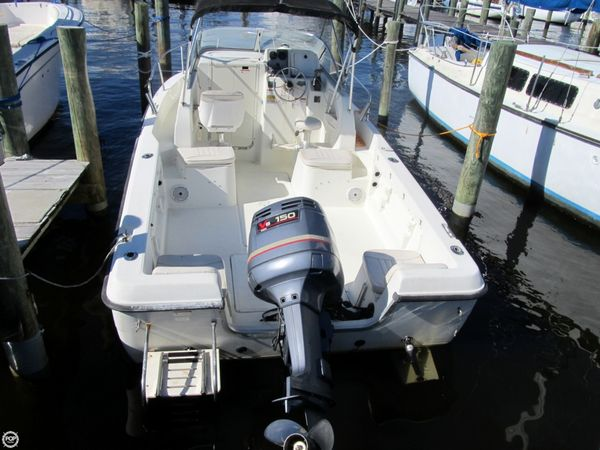 Used Hydra-Sports 212 WA Walkaround Fishing Boat For Sale