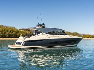 New Riviera 5400 Sport Yacht Platinum Edition Sports Cruiser Boat For Sale