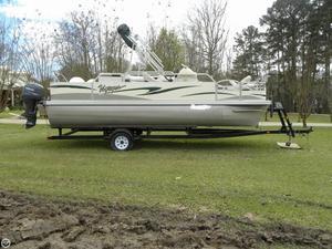 Used Voyager Supreme 20 Fish Pontoon Boat For Sale
