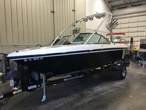 Used Mastercraft X-1X-1 Bowrider Boat For Sale