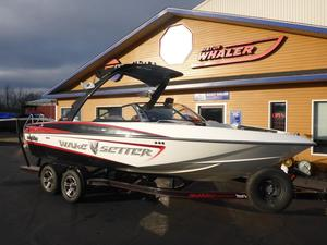 Used Malibu Wakesetter VLXWakesetter VLX Ski and Wakeboard Boat For Sale
