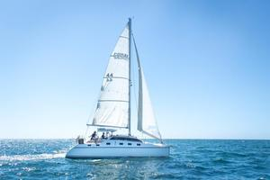 Used Pdq Classic 32 Catamaran Sailboat For Sale