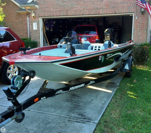 Used Monark 900 Pro Series Bass Boat For Sale
