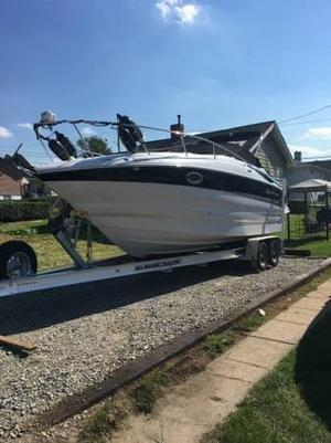 Used Crownline 250 CR (SRG)250 CR (SRG) Express Cruiser Boat For Sale