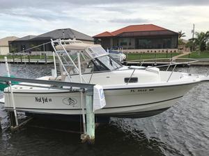 Used Bayliner 2509 Trophy Cuddy Cabin Boat For Sale