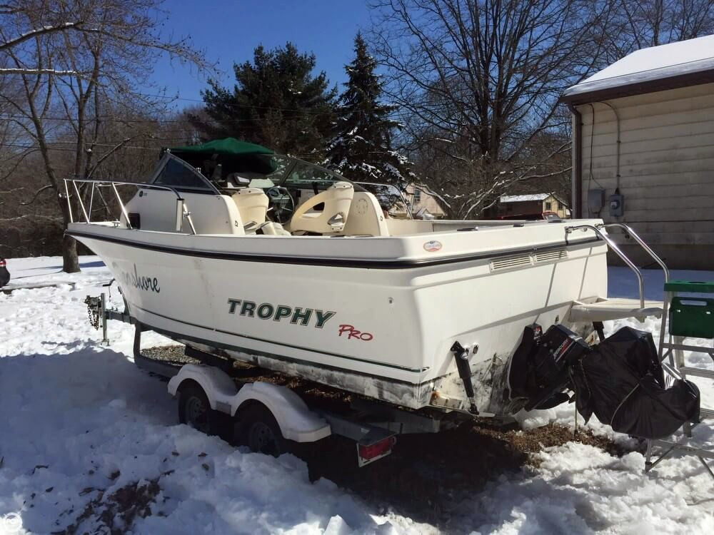 2003 used trophy pro 2052 wa walkaround fishing boat for for Fishing boats for sale by owner
