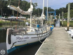 Used Bluewater Yachts Ingrid 38 Racer and Cruiser Sailboat For Sale