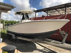 Used Hydra-Sports 2500 CC Center Console Fishing Boat For Sale