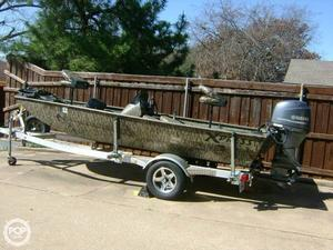 Used Xpress Xplorer Bass Aluminum Fishing Boat For Sale