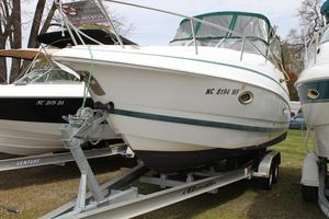 Used Chris-Craft 260 Express Cruiser Boat For Sale