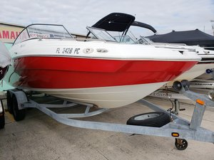 Used Yamaha SX240 High OutputSX240 High Output Ski and Wakeboard Boat For Sale
