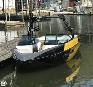 Used Moomba CRAZ Ski and Wakeboard Boat For Sale