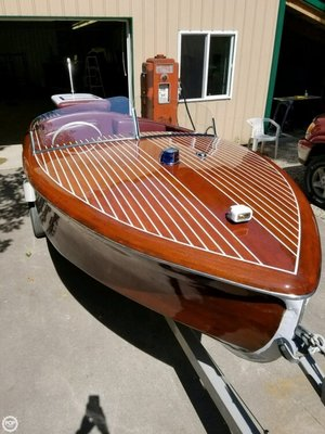 Used Custom 15 Antique and Classic Boat For Sale