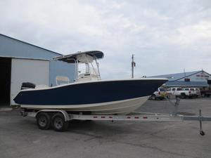 Used Trophy 2203 CC2203 CC Center Console Fishing Boat For Sale