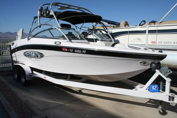 Used Nautique 226226 Ski and Wakeboard Boat For Sale