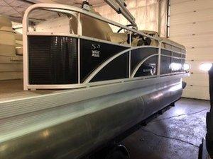 Used Bennington 21 SL Motor Yacht For Sale