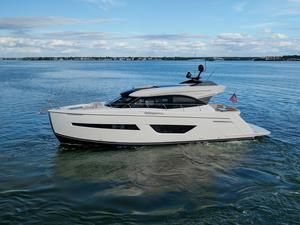 Used Carver C52 Coupe Cruiser Boat For Sale