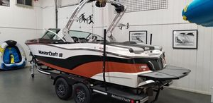 New Mastercraft XT Series XT21 Motor Yacht For Sale