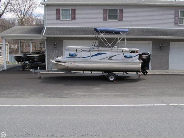 Used Apex Marine Qwest LS 7518 Pontoon Boat For Sale
