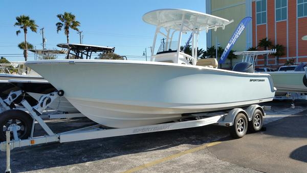 New Sportsman Boats Heritage 231 Center ConsoleHeritage 231 Center Console Center Console Fishing Boat For Sale