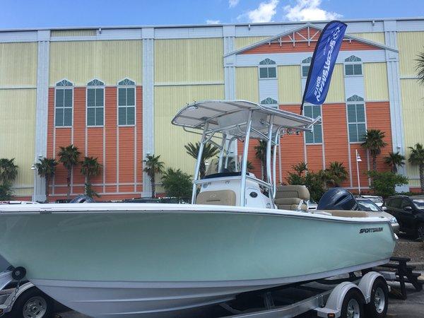 New Sportsman Boats Heritage 211 Center ConsoleHeritage 211 Center Console Center Console Fishing Boat For Sale