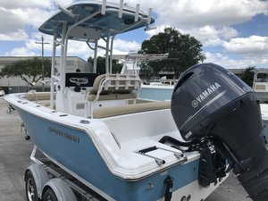 New Sportsman Boats Heritage 211 Center ConsoleHeritage 211 Center Console Center Console Fishing Boat For Sale