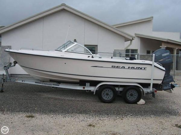 Used Sea Hunt ESCAPE 200 Bowrider Boat For Sale
