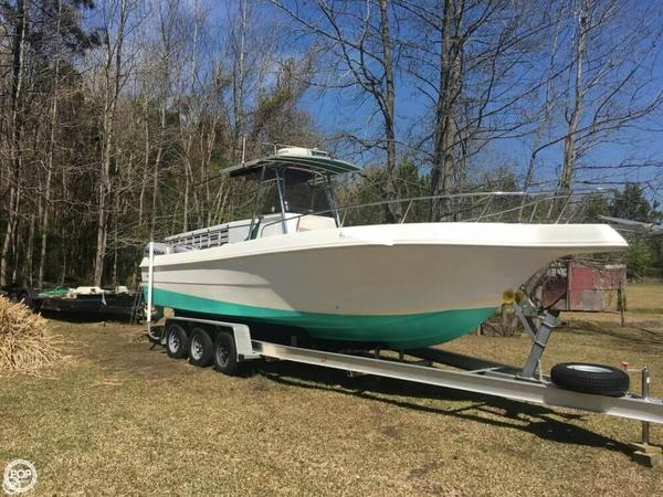 Used Caravelle 280 CC Center Console Fishing Boat For Sale