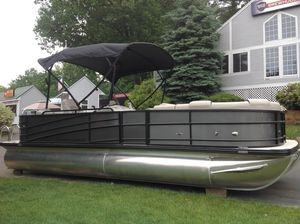 New Berkshire 23CL 4G STS23CL 4G STS Pontoon Boat For Sale