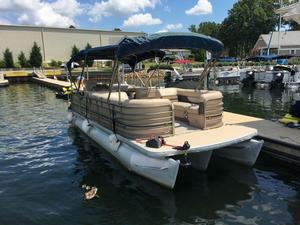 Used Sanpan 2500 RE-4 Gate Pontoon Boat For Sale