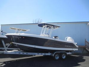 New Robalo R242 Center ConsoleR242 Center Console Center Console Fishing Boat For Sale