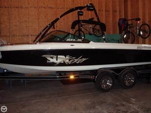 Used Malibu Sunkicker Ski and Wakeboard Boat For Sale