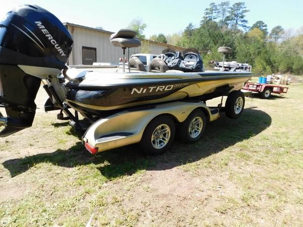 Used Nitro 911 CDC Bass Boat For Sale