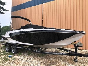 New Glastron Deck Boat GTD 225 Bowrider Boat For Sale