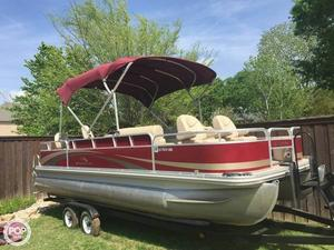 Used Bennington 2275FSI Pontoon Boat For Sale