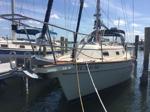 Used Island Packet Yachts 320 Cruiser Sailboat For Sale