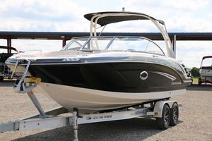 New Chaparral Suncoast 250Suncoast 250 Bowrider Boat For Sale