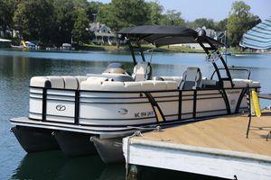Used Veranda VP Series 25 RCTVP Series 25 RCT Pontoon Boat For Sale