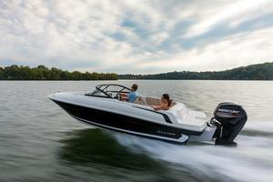 New Bayliner VR4 O/BVR4 O/B Bowrider Boat For Sale
