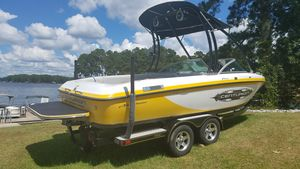 Used Centurion FAKON Falcon Air Warrior Direct DriveFAKON Falcon Air Warrior Direct Drive Ski and Wakeboard Boat For Sale