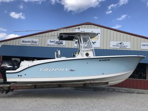 Used Trophy Marine 2503 Center Console2503 Center Console Center Console Fishing Boat For Sale