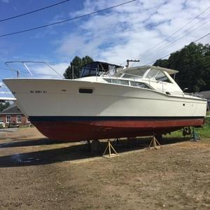Used Chris-Craft Commander 35Commander 35 Cruiser Boat For Sale