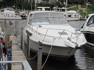 Used Carver 538 Montego Express Cruiser Boat For Sale