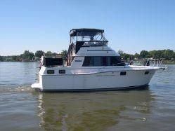 Used Carver 32 Aft Cabin Cruiser Boat For Sale