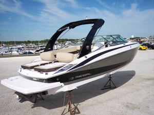 New Regal 2500 Bowrider Boat For Sale