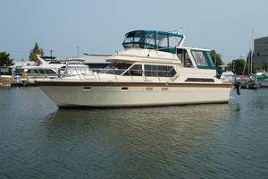 Used Hi-Star 49 Cockpit Motor Yacht W/factory 5' Cockpit Motor Yacht For Sale