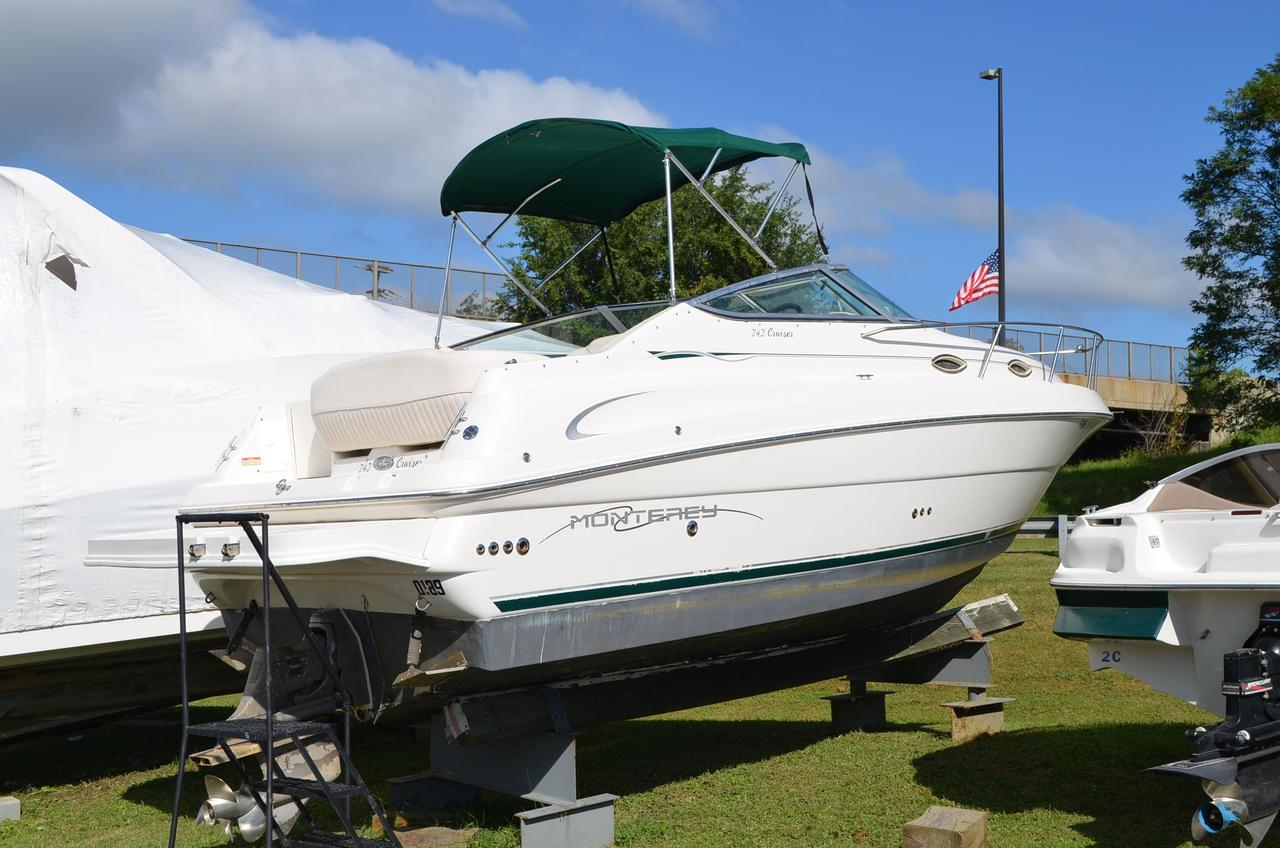 2002 Used Monterey 242 Cruiser Boat For Sale
