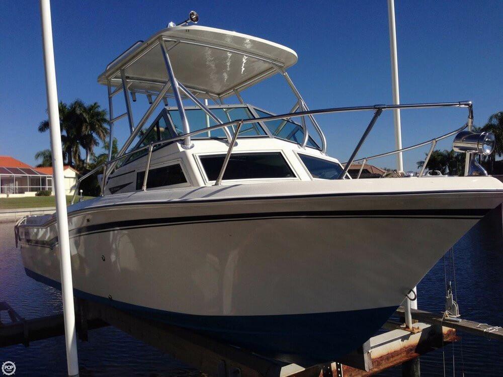 1982 used grady white 222 bahama walkaround fishing boat for Grady white fishing boats