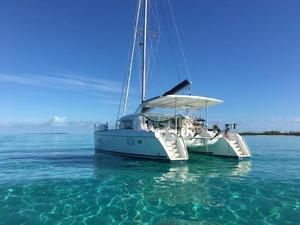 Used Lagoon 420 Multi-Hull Sailboat For Sale