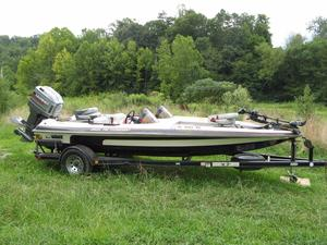 Used Sprint 286dc Pro Tournament Cruiser Boat For Sale